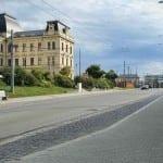 Kudy na nádraží v Plzni