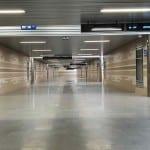 Podchod po plzeňským nádražím
