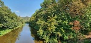 Řeka Jizera v obci Líšný