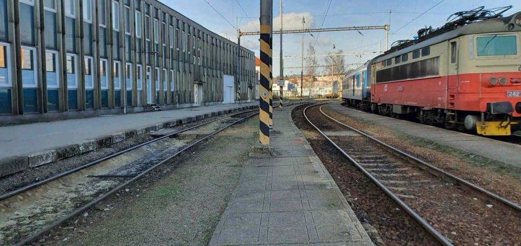 5. nástupiště, druhá kolej