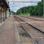Přístup na nástupiště v Hluboké nad Vltavou-Zámostí