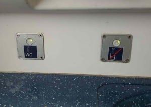 Záchod ve vlaku Arriva 846