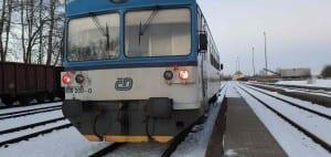 Nástupiště na nádraží Valšov