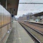 Vlakem Přibyslav nádraží, nástupiště