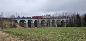 Železniční viadukt u Sazomína