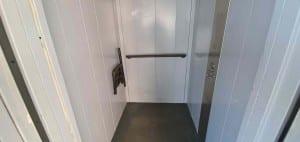 Tlumačov výtah v podchodu