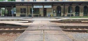 Přístup na nástupiště ve stanici Hrubá Voda