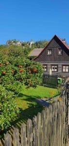 Malá Skála a skalní hrad Vranov