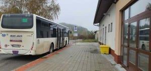 Kudy na nádraží v Řikoníně