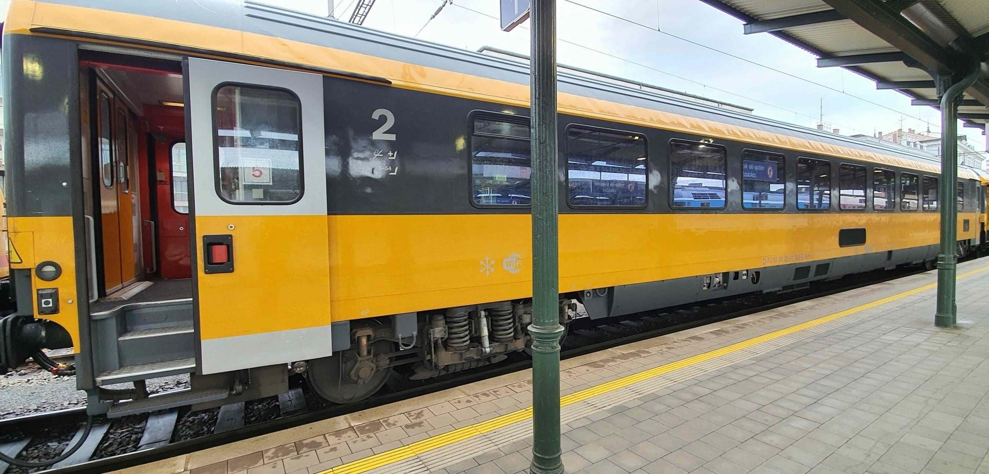 Vůz 2. třídy Bpmz 20-91
