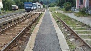 Kutnohorské nástupiště u 2. koleje